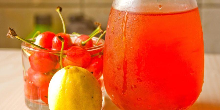 jus de fruits à partir de centrifugeuse ou extracteur de jus